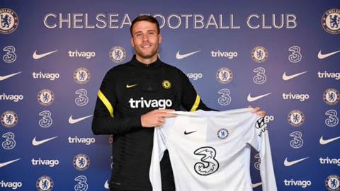 Chelsea ký hợp đồng với thủ môn Bettinelli
