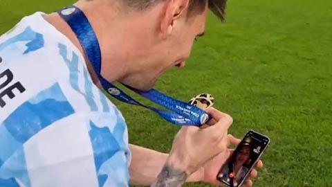 Messi chăm đăng bài lên mạng xã hội để bù vào khoản lương bị hụt ở Barca?
