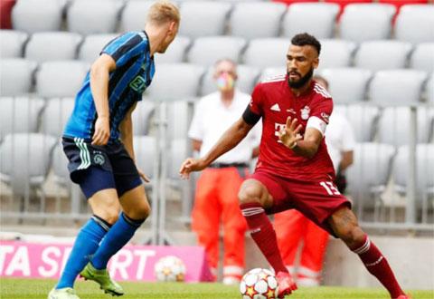 Thiếu vắng nhiều trụ cột, Bayern (áo đỏ) sẽ có trận đấu vất vả trước đối thủ khó chịu Napoli.