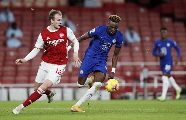Arsenal và Chelsea (phải) sẽ cống hiến một trận cầu tưng bừng bàn thắng