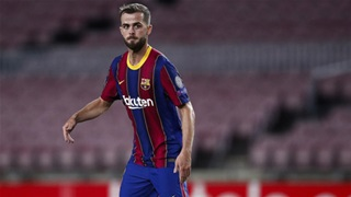 Barca gấp rút tìm cách bán cầu thủ thừa