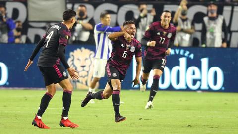 Nụ cười chiến thắng sẽ đến với các cầu thủ khách Mexico