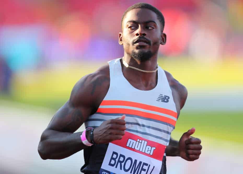 VĐV điền kinh Trayvon Bromell (Mỹ) chạy 100 mét hết 9 giây 77, có nghĩa anh sẵn sàng chấp các cầu thủ chạy trước 30 mét ở đường đua 100 mét