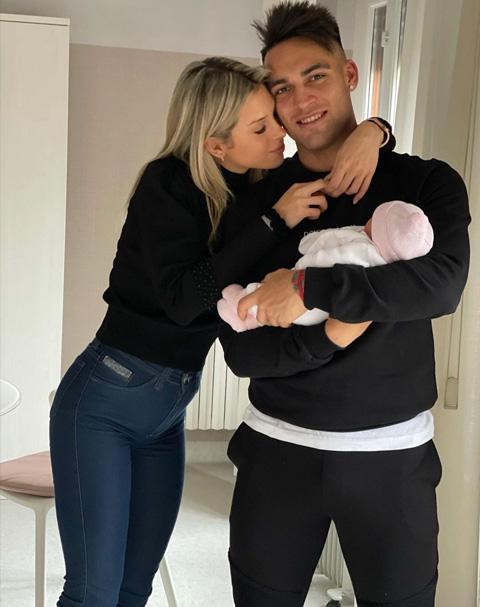 Lautaro và Agustina vừa chào đón con gái đầu lòng hồi đầu năm 2021