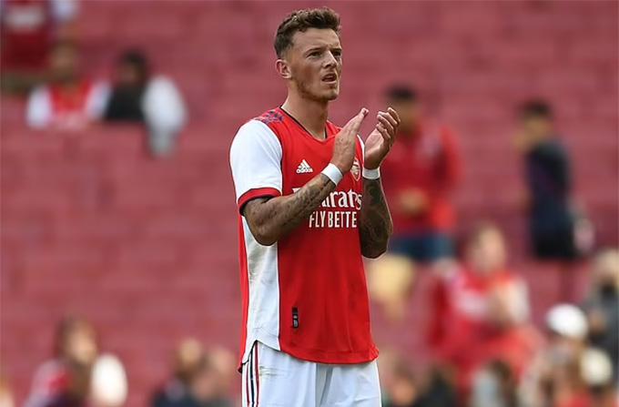 White có màn ra mắt Arsenal