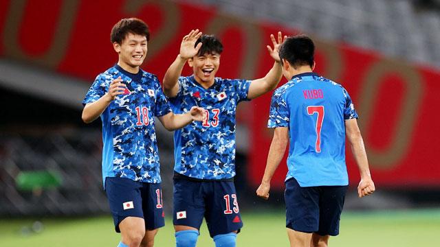 Các cầu thủ chủ nhà Nhật Bản sẽ được ăn mừng chiến thắng chiều tối nay