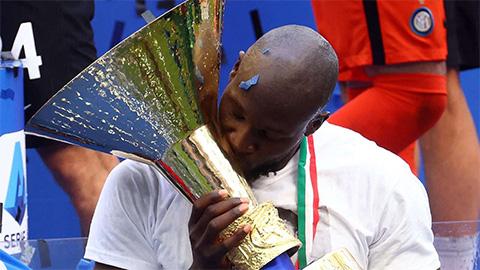 Vụ Chelsea chiêu mộ Lukaku: Inter xiêu lòng trước đề nghị mới
