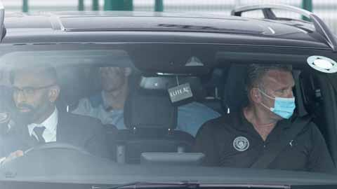 Tin giờ chót 5/8: Grealish rời khỏi trụ sở Man City - gi�� v��ng h��m nay
