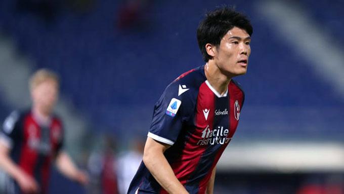 Tomiyasu được 2 đội bóng thành London quan tâm