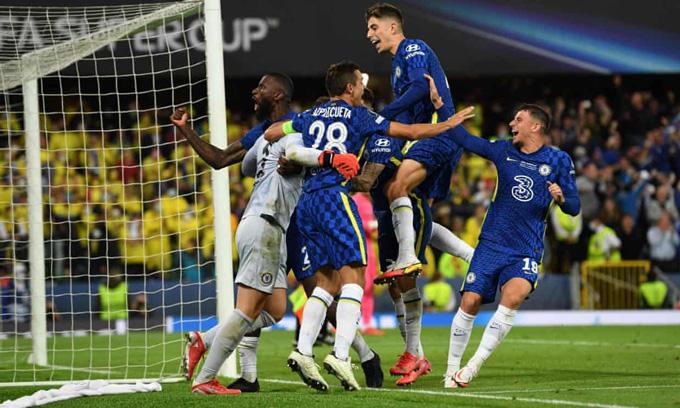 Chelsea cùng với Liverpool được nhà cái đánh giá có thể cạnh tranh với Man City ở cuộc đua vô địch Ngoại hạng Anh 2021/22