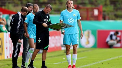 Hy hữu: Wolfsburg bị loại khỏi Cúp QG Đức vì... thay người quá nhiều