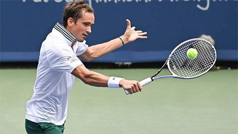 Daniil Medvedev vào tứ kết Cincinnati Masters 2021