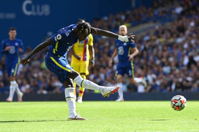Chalobah ghi bàn tuyệt đẹp ở trận Chelsea thắng Crystal Palace