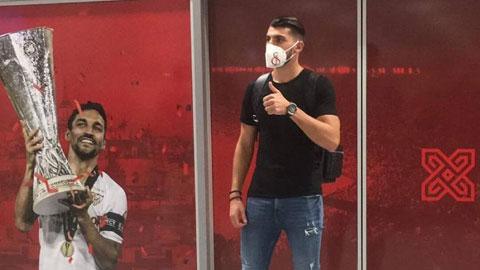 Rafa Mir ký hợp đồng 5 năm với Sevilla