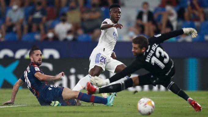 Trong khi đó, Vinicius lại có một màn trình diễn cực kỳ thăng hoa