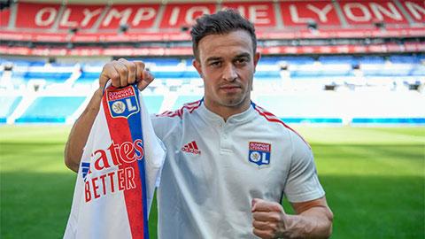 Liverpool bán Shaqiri cho Lyon với giá 'bèo'