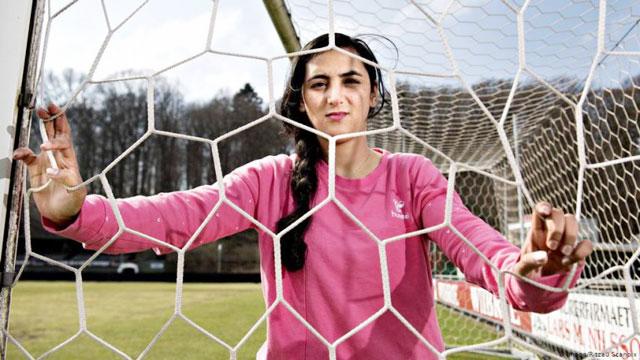 Đội trưởng ĐT nữ Afghanistan, Khalida Popal, sẽ đến Australia tị nạn