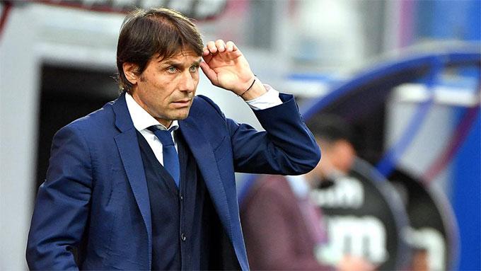HLV Conte từng có thời gian làm việc ở Anh cho Chelsea