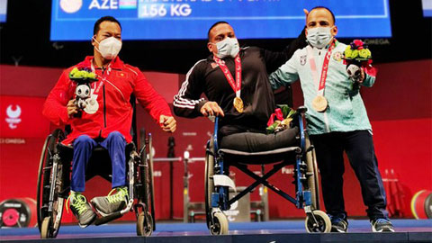 Paralympic Tokyo 2020: Lê Văn Công giành HCB hạng 49kg nam môn cử tạ