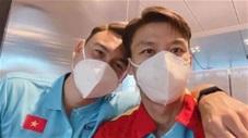 """Văn Lâm xuất hiện ở sân bay Doha bị Quế Ngọc Hải """"tóm gọn"""""""