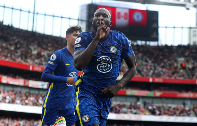 Lukaku ghi bàn ngay trận đầu trở lại Chelsea