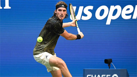 Stefanos Tsitsipas thắng nhọc trận đầu US Open 2021