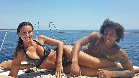 Ngất ngây với cô vợ thích 'họa bì' và nghiện mặc bikini của Witsel