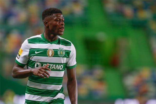 Mendes gia nhập PSG vào giờ chót chuyển nhượng