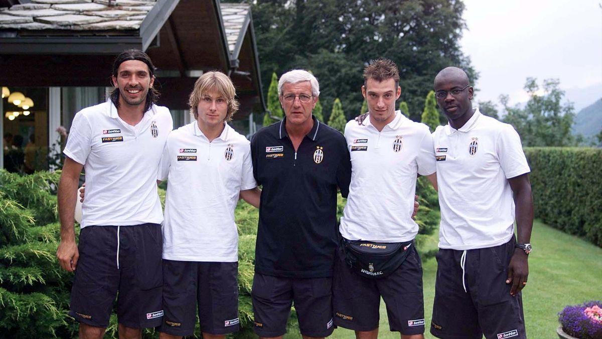 Buffon, Nedved, Thuram chụp ảnh cùng HLV Marcelo Lippi