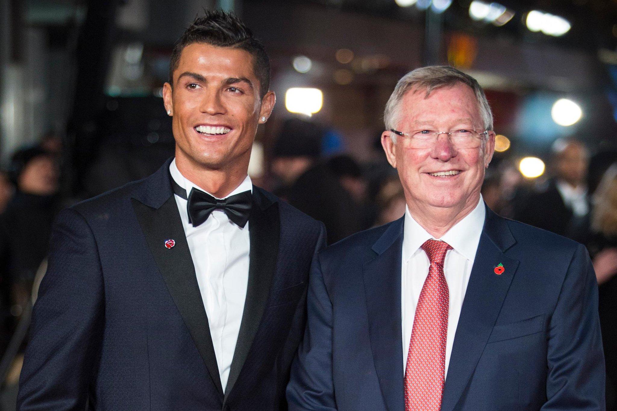 Ronaldo vẫn duy trì mối quan hệ tuyệt vời với Sir Alex khi đã rời Man United