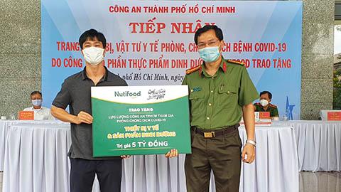 Không dự VL World Cup cùng ĐT Việt Nam, Công Phượng chung tay chống dịch