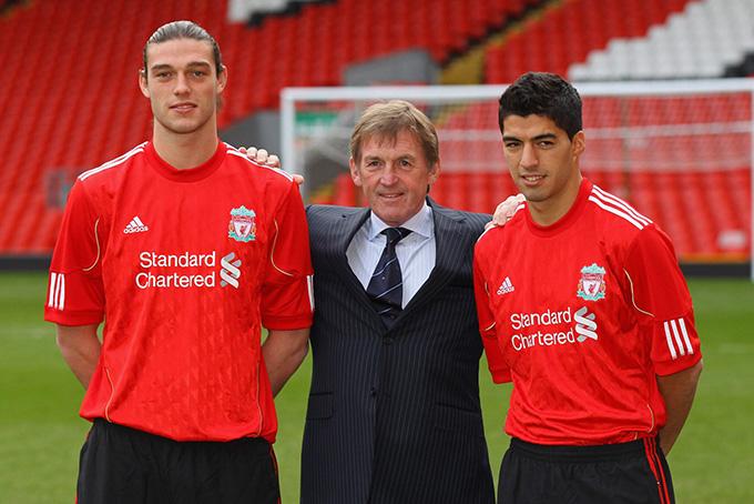 Liverpool phải mua 2 tiền đạo để thay Torres mới chịu