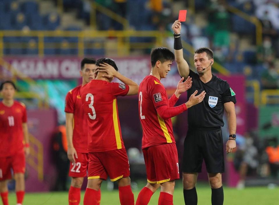 Theo đánh giá của trọng tài FIFA Hoàng Ngọc Hà, trọng tài người Uzbekistan đã hoàn thành tốt nhiệm vụ trận Saudi Arabia vs Việt Nam