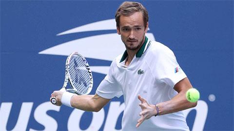 Daniil Medvedev, Simona Halep lọt vào tuần hai US Open 2021
