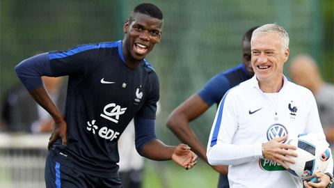 Didier Deschamps và Paul Pogba tình như cha con