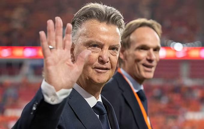 Hà Lan dần trở lại dưới tay Van Gaal