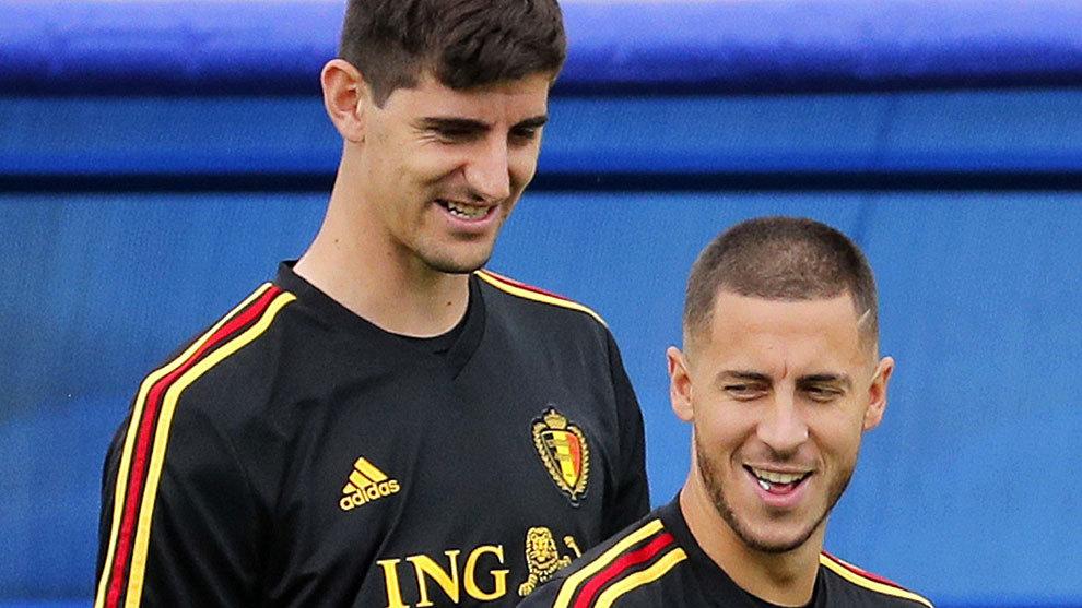 Thủ môn Courtois đánh giá cao sự bền bỉ của Hazard