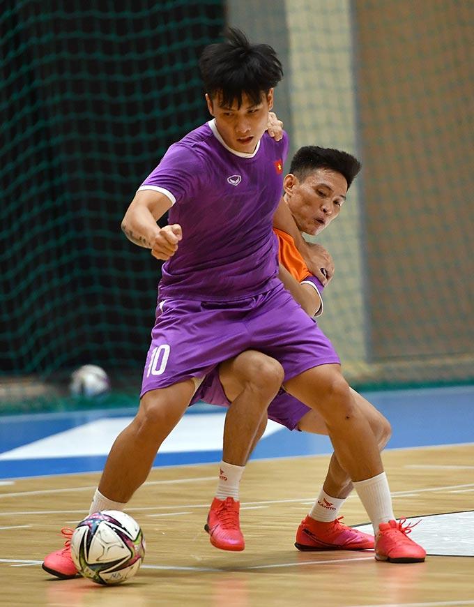 Sau những trận đấu giao hữu, HLV Phạm Minh Giang điều chỉnh kế hoạch để các cầu thủ có được điểm rơi phong độ khi bước vào các trận đấu chính thức
