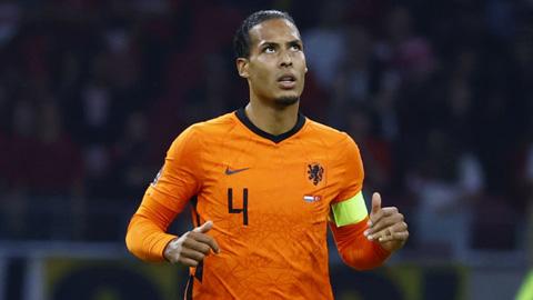 Fan Liverpool thót tim với chấn thương của Van Dijk ở ĐT Hà Lan