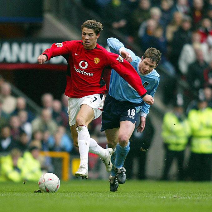 Ronaldo trong những mùa đầu tại MU thường thích biểu diễn kỹ thuật và qua người