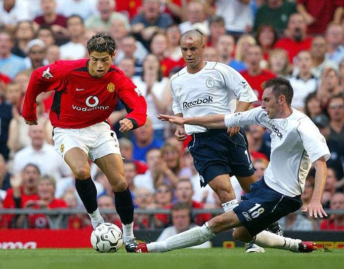 Ronaldo từng bị Nicky Hunt của Bolton dạy cho một bài học trong trận ra mắt Man United