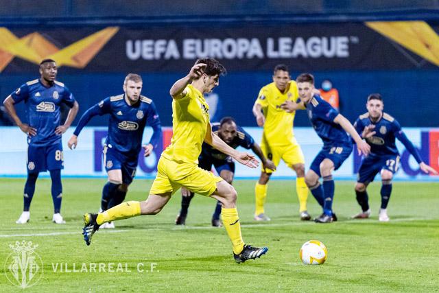 Villarreal (áo vàng) đang có phong độ rất tệ.
