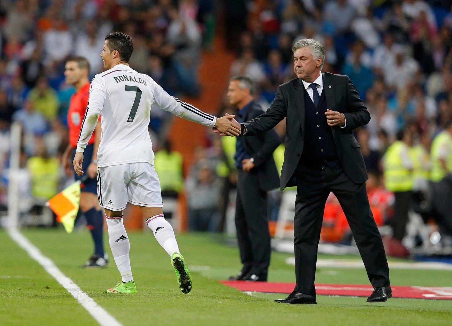 Carlos Ancelottti cũng đã hy sinh sơ đồ yêu thích để phục vụ sự thoải mái của Ronaldo tại Real Madrid
