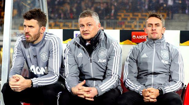 Liệu HLV Solskjaer và trợ lý Carrick có thể làm việc yên ả với người đồng đội cũ, cầu thủ mới Ronaldo?