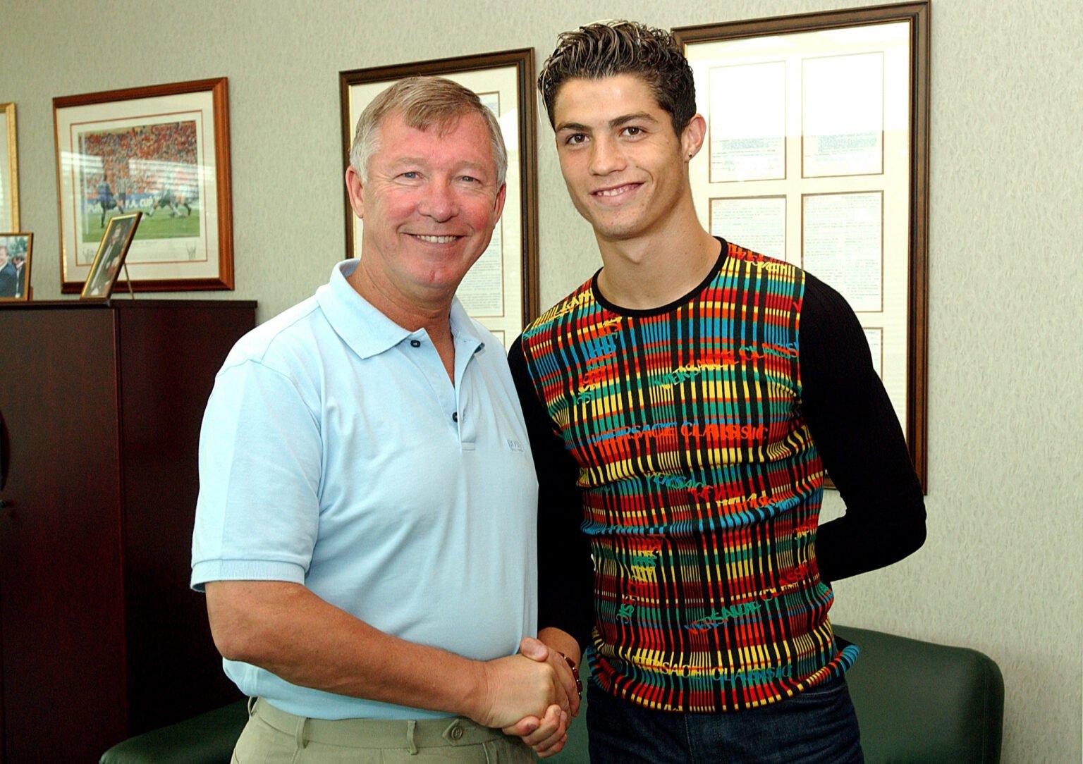 Sir Alex Ferguson là người đầu tiên chinh phục được cái Tôi của Ronaldo và được cầu thủ này coi như cha già kính yêu
