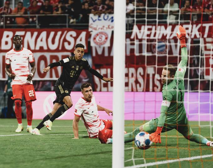 Musiala vào sân từ ghế dự bị và thi đấu bùng nổ với 1 bàn, 1 kiến tạo