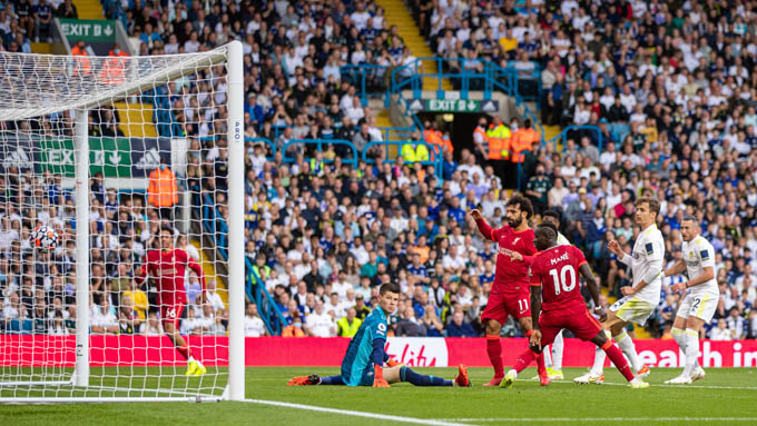 Salah ghi bàn đóng góp vào chiến thắng của Liverpool trước Leeds