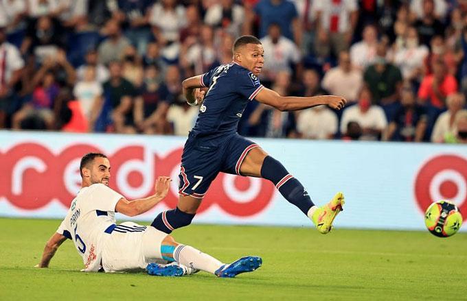 Mbappe vẫn đang thăng tiến vượt bậc tại PSG