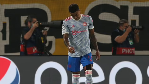 Lingard vào sân từ băng ghế dự bị và mắc sai lầm dẫn đến bàn thua của Man United
