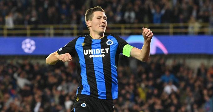 Vanaken gỡ hòa 1-1 cho Club Brugge ở phút 27